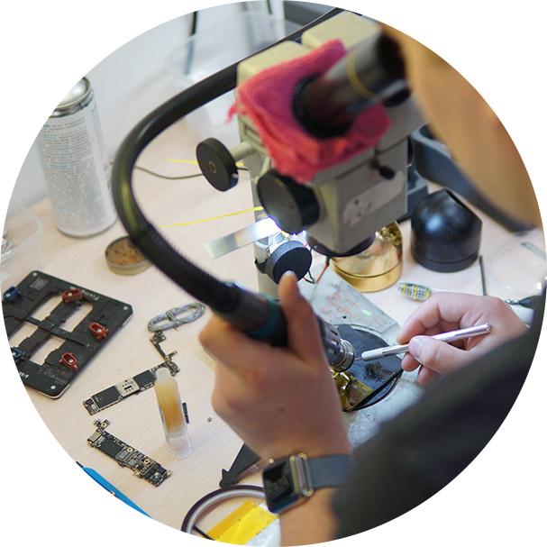 Разработка сайта для сервисного центра по ремонту техники Apple. Создано в Студия Андрея Мельникова...